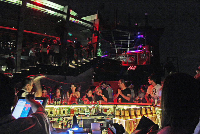 Chill-Sky-Bar-Saigon