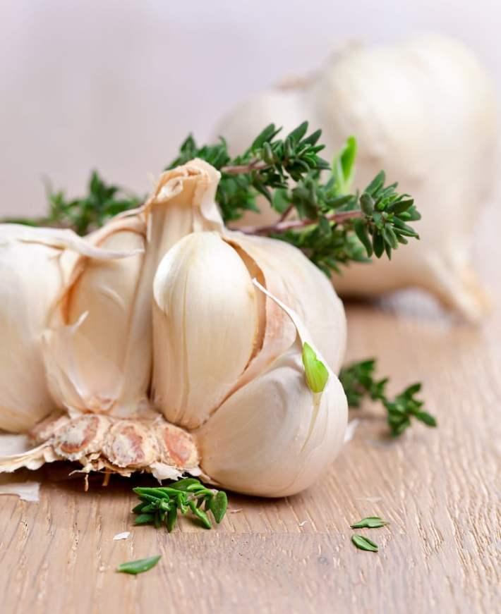 Raw Garlic and Thyme