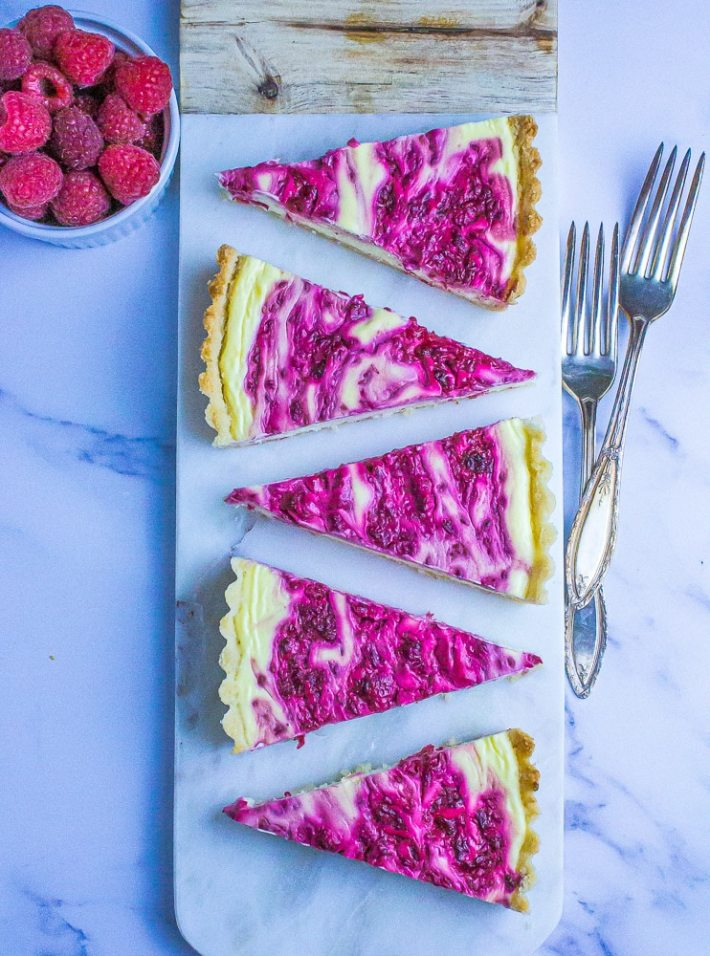 Such a showstopper this Keto Raspberry Cheese cake! Pretty easy to make too!