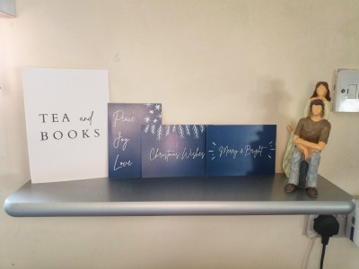 Reading Corner Shelf with Quote display