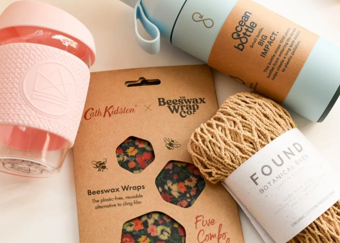 Easy swaps to be more sustainable including beeswax wraps, eco travel cups and net bag.