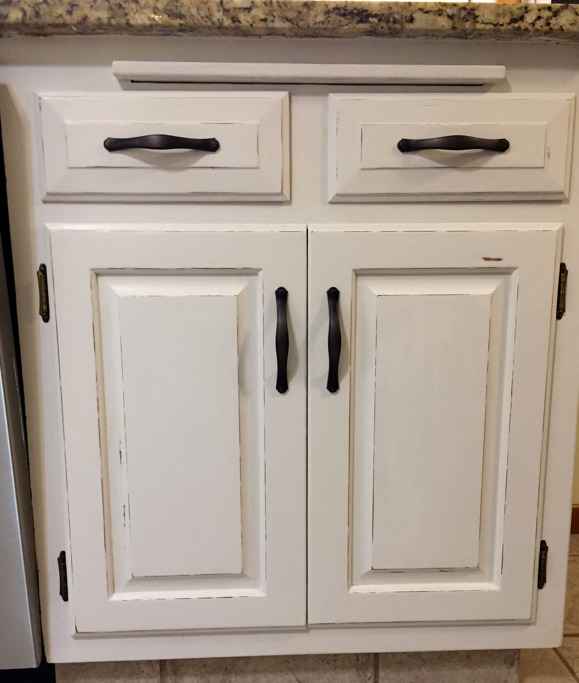 Painting Kitchen Cabinets With Chalk Paint - The Kelly Homestead