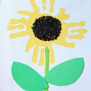 blooming-handprint-sunflower