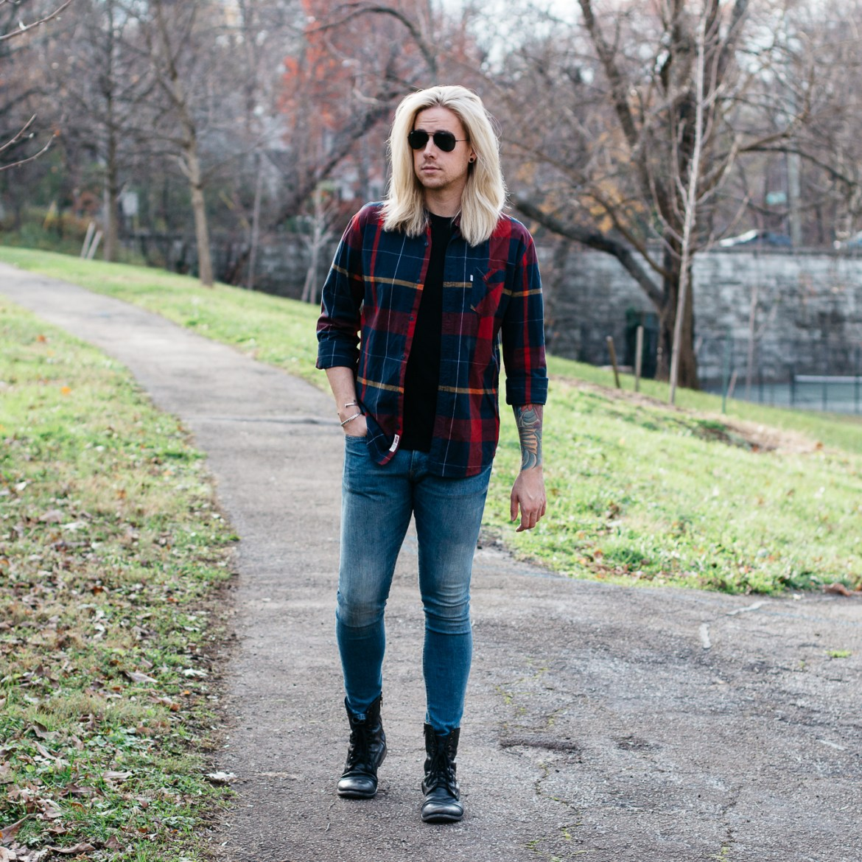 mens plaid shirt, hm skinny jeans, how to wear a plaid shirt, mens with platinum blonde hair, levis plaid shirt