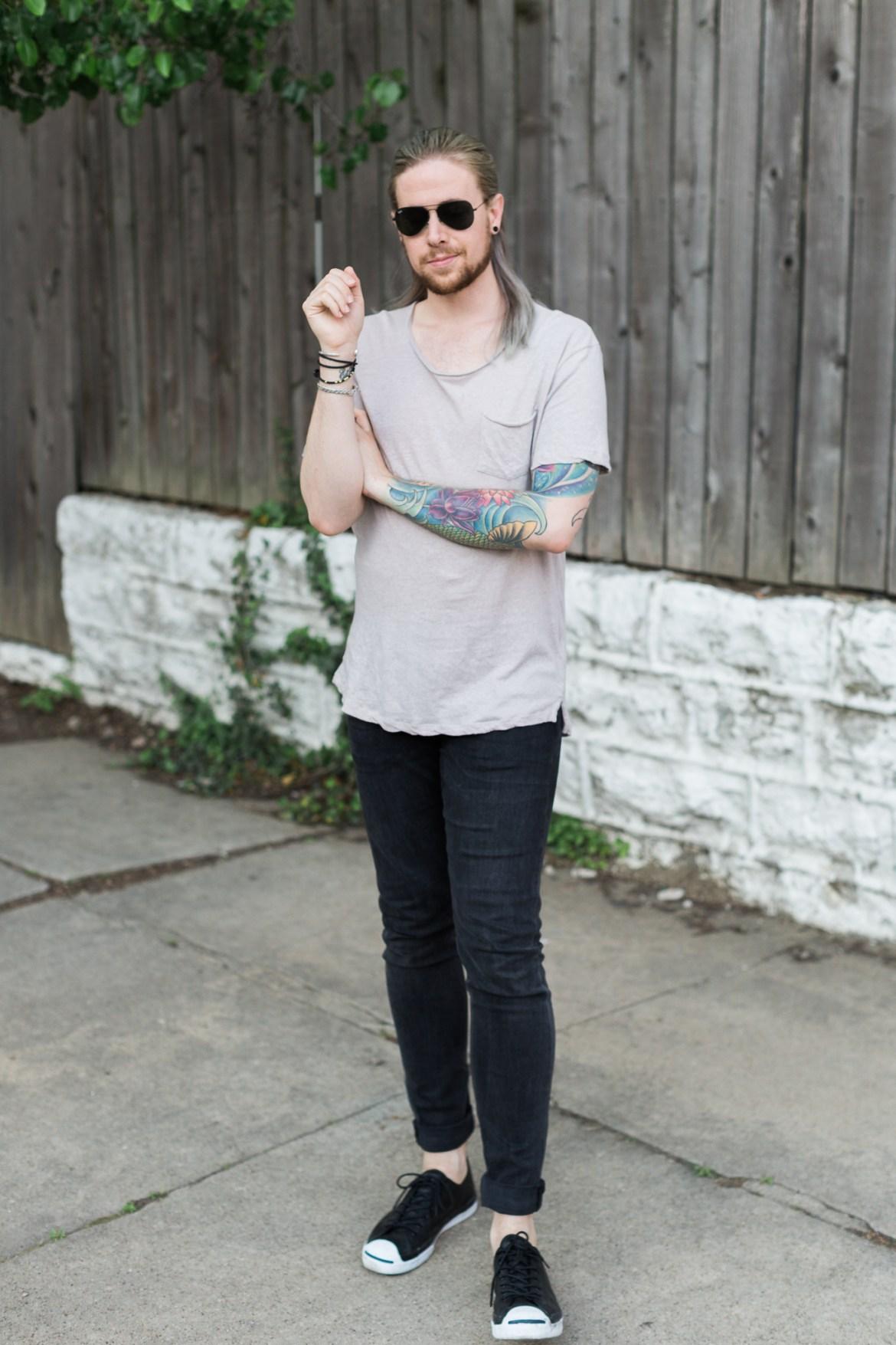mens hairstyles, half bun on men, mens urban outfitters tee, hm black denim, mens fashion blog