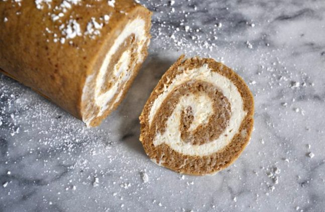 20_Keto_Low_Carb_Holiday_Recipes_Pumpkin_Roll
