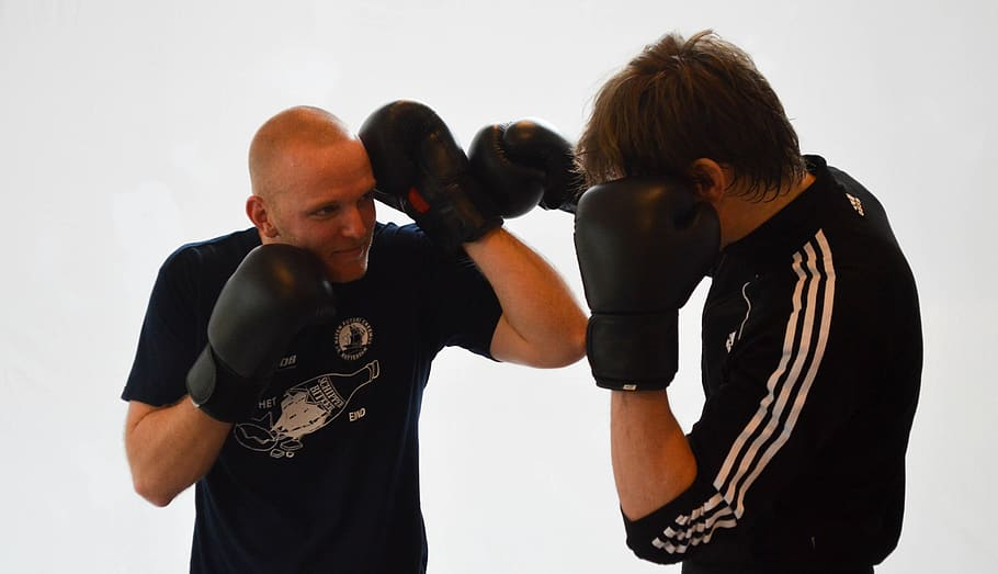 kickboxing-fitness-boxer-sports