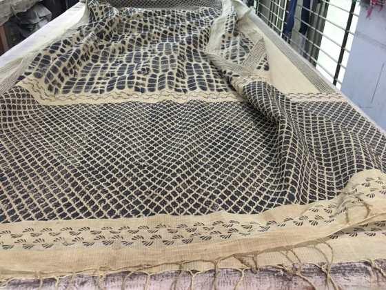 On the printing table – Handmade Textiles of Bangladesh