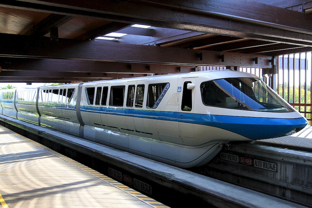 RUMOR - Walt Disney World Replacing Monorail Fleet?
