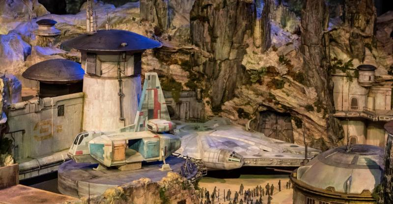 star-wars-land-millennium-falcon-d23