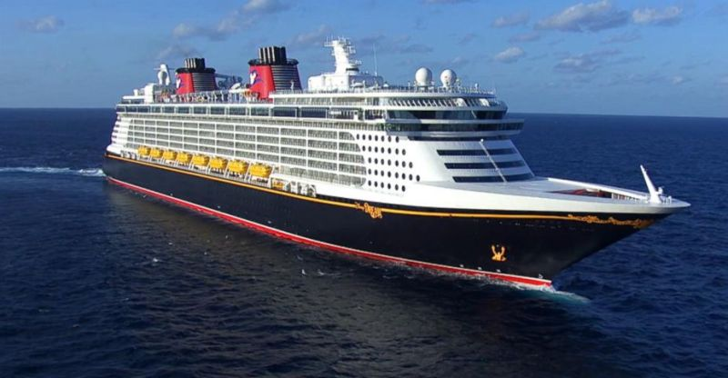 The Disney Dream Cruise Ship Is Damaged After Hitting Pier The - The dream cruise ship disney