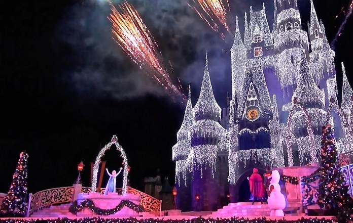 christmas at walt disney world - When Does Disney World Decorate For Christmas 2017