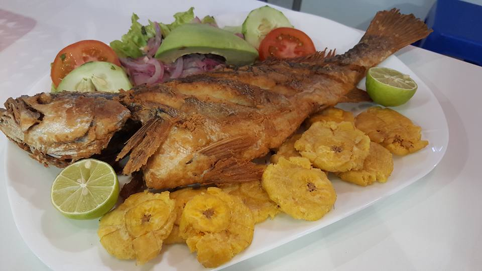 pargo frito panamanian food
