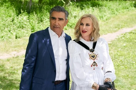 Schitt's Creek Season 6 Is a Moira Rose Fashion Feast