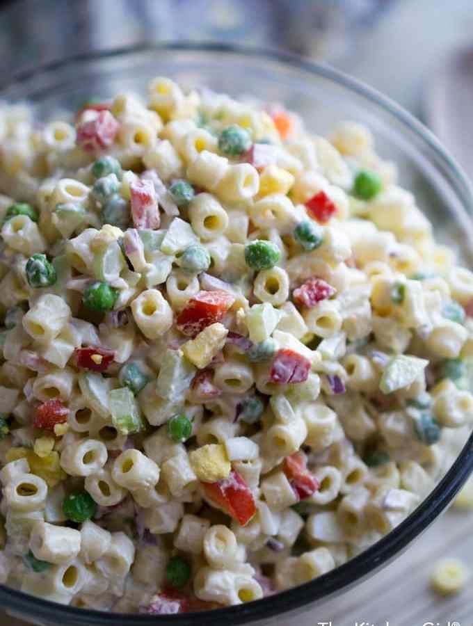 Secretly healthy picnic food! Classic Macaroni Salad With Greek Yogurt Dressing instead of ALL mayo. It's creamy, zesty, and full of vegetables! thekitchengirl.com