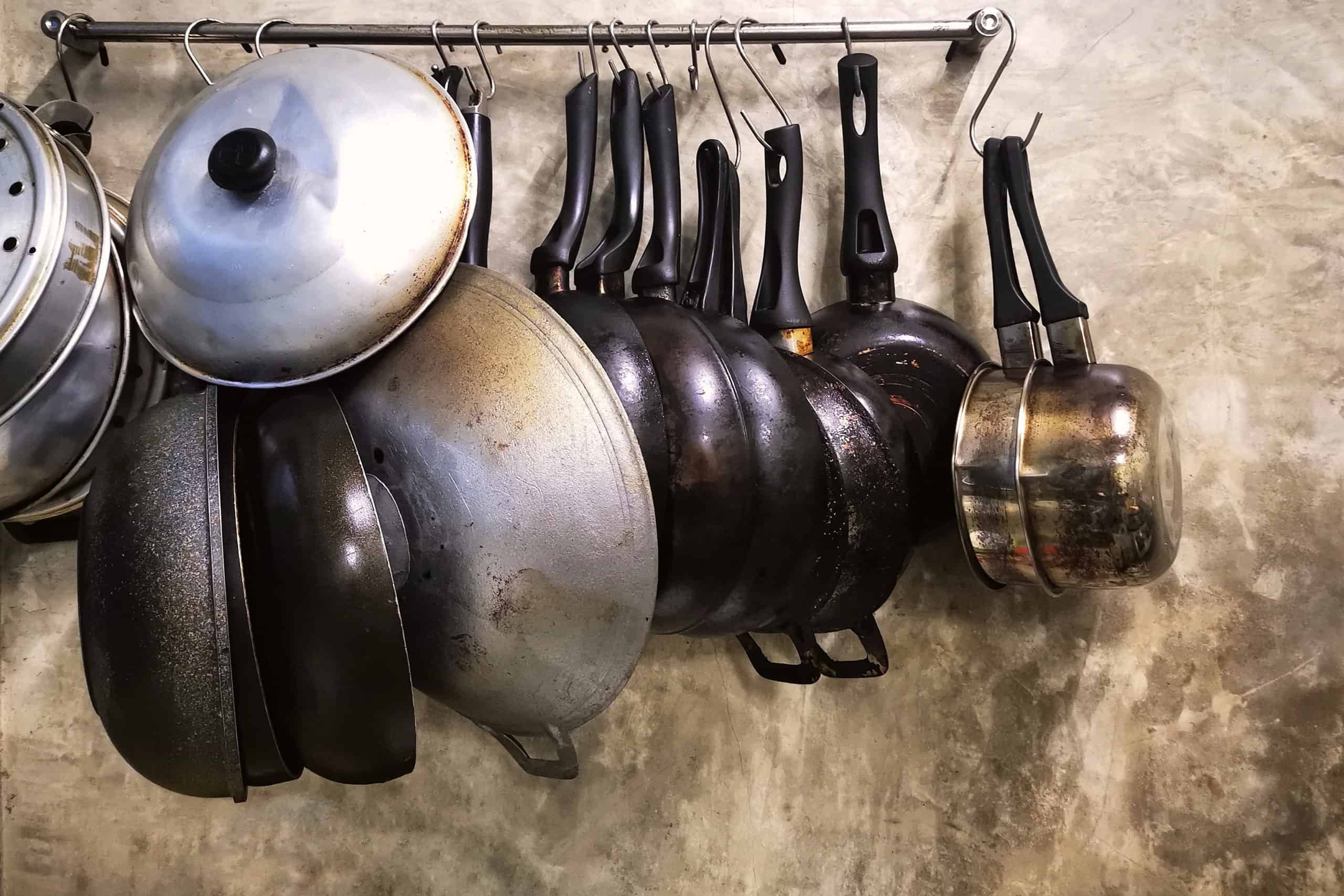 Stainless Steel v Carbon Steel Pans