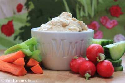 The Kitchen Shed - Clean Eating Houmous #cleaneatingukrecipes
