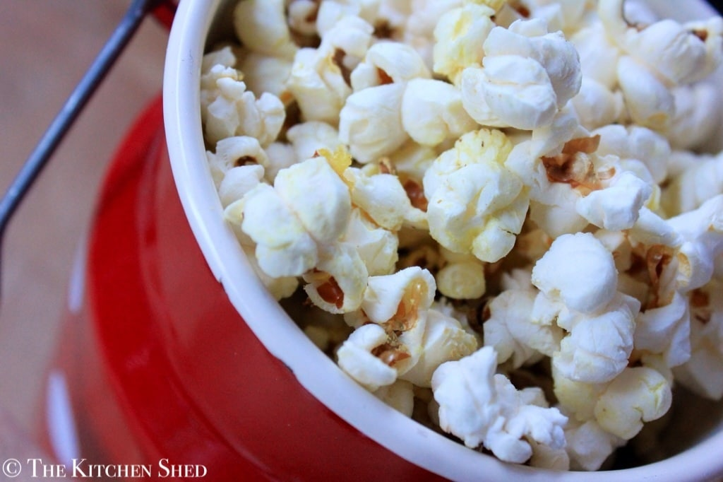 Clean Eating 'Cheesy' Popcorn