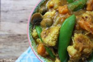 Clean Eating Roasted Cauliflower Curry