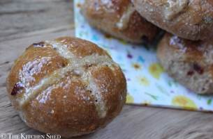 Clean Eating Hot Cross Buns