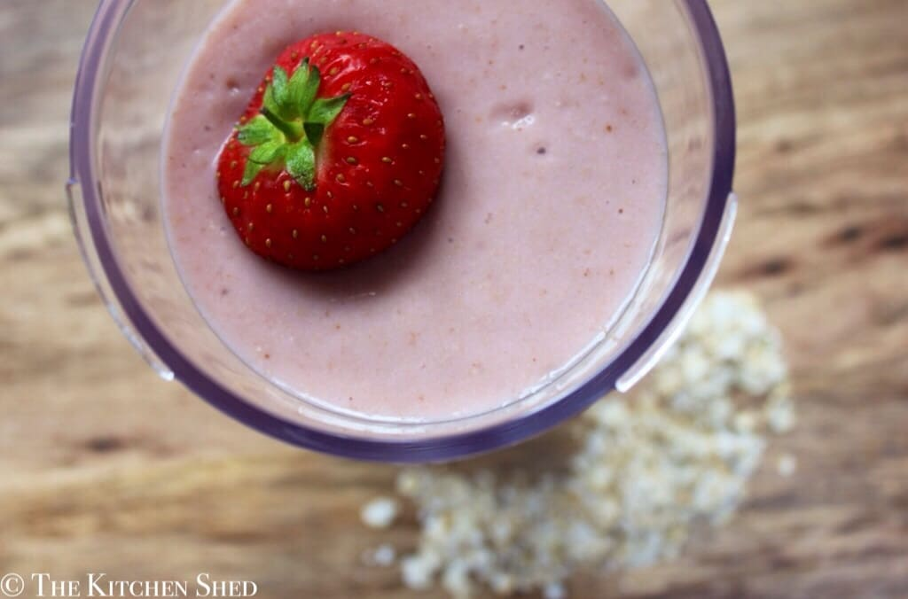 Clean Eating Strawberry Banana Oat Smoothie