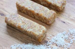 Clean Eating No Bake Piña Colada Bars