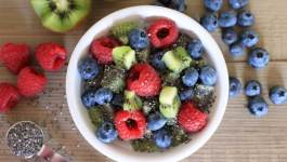 Clean Eating Berry Kiwi Porridge 1