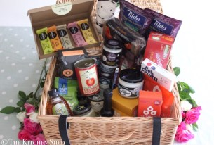 10k Facebook Likes – Clean Eating Hamper Giveaway!