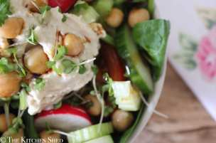 Clean Eating Houmous & Chickpea Salad