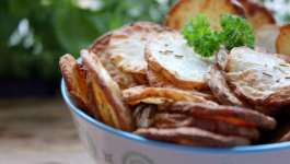 Clean Eating Rosemary Potato Chips 1