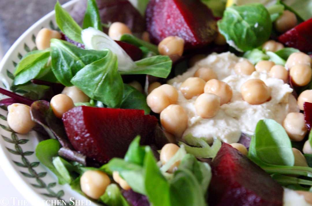 Clean Eating Beetroot Houmous Salad