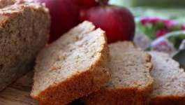 Clean Eating Spiced Apple Bread