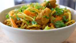 Clean Eating Turmeric Chilli Chicken Noodles