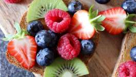 Clean Eating Fruit Pizza Toast