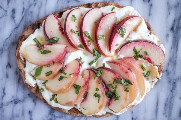 Peach_and_Ricotta_Pizza