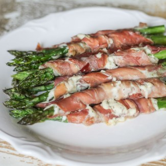 Alouette, Prosciutto, and Asparagus Roll Ups