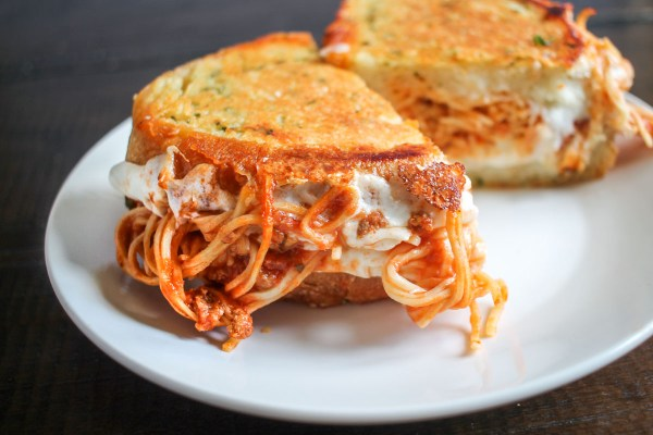 spaghetti-grilled-cheese-3