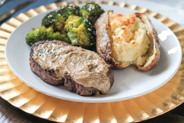 filet-mignon-with-a-garlic-mustard-sauce-8