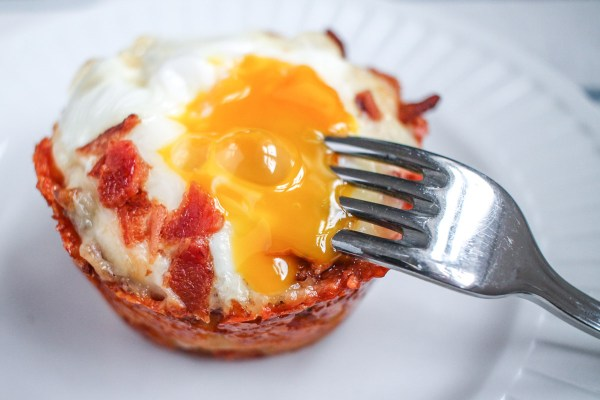 How to Make Cheesy Egg and Hash Brown Cups