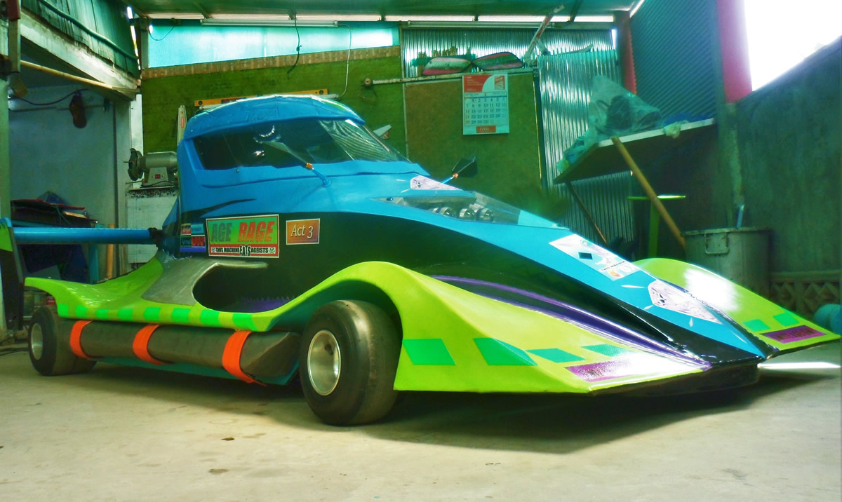 Motorcycle Powered Full Body Go Karts are Ghraydon Wallick's Newest Project
