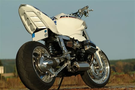 BMW R1100S Streetfighter