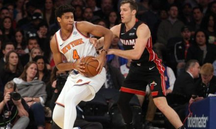 Knicks Bring Isaiah Hicks Back on Two-Way Deal