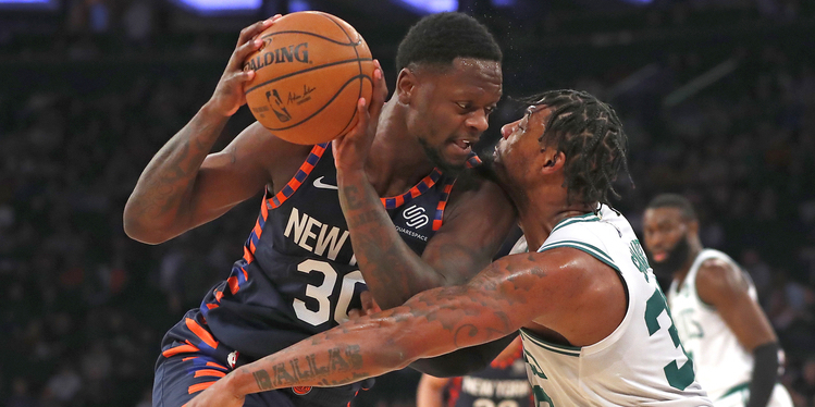 Knicks Lose as Celtics Pull Away in Fourth Quarter