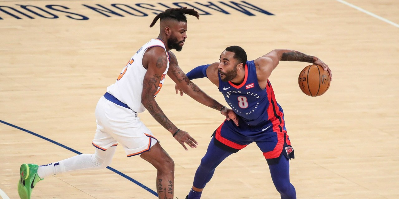 Knicks Best Pistons to Close Out First Half Before All-Star Break
