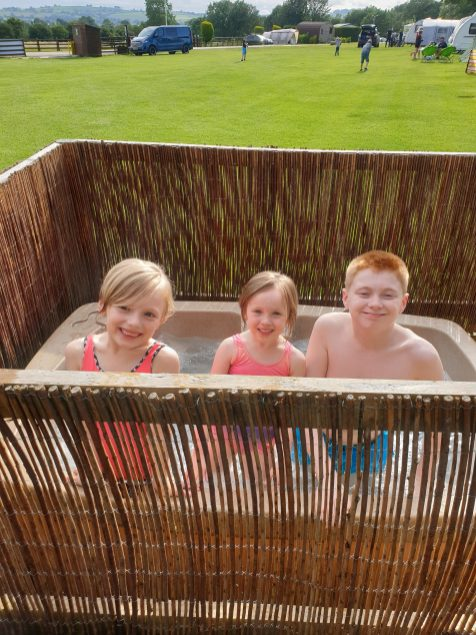 Ashbourne Heights - Safari lodge Hot tub