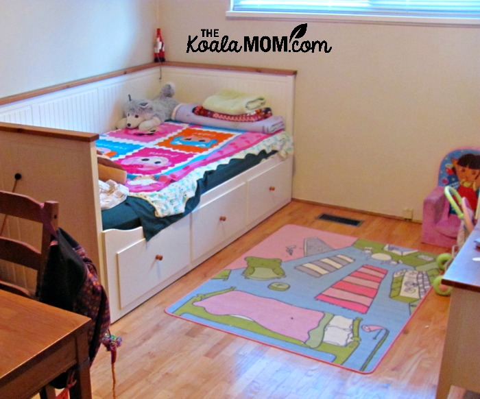 Kids area rug - an easy way to make a house your home