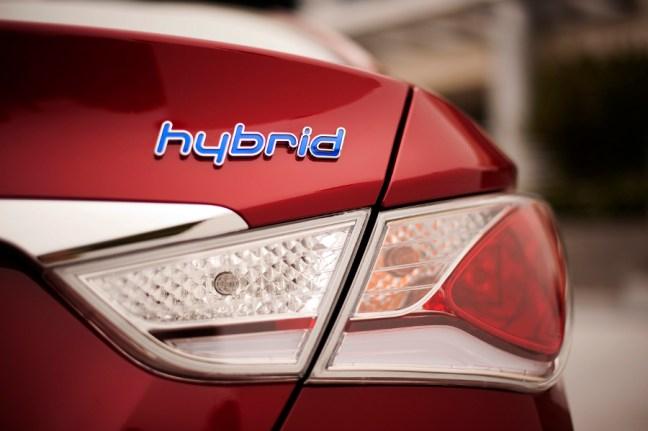 How To Replace Car Battery Of Hyundai Sonata Hybrid
