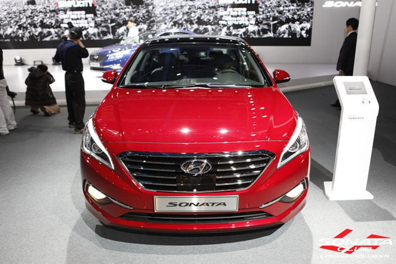 Gallery 2015 Hyundai Sonata From Different Angles