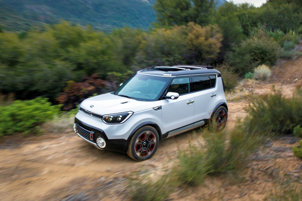 kia-soul-awd-trail-ster-concept-revealed-at-chicago-autoshow