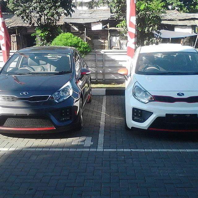 Black Kia Rio 2019: Kia Rio GT Indonesian Project
